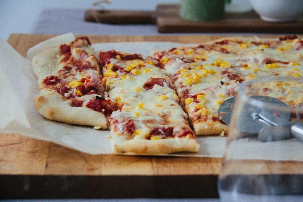 Einfacher Pizzateig