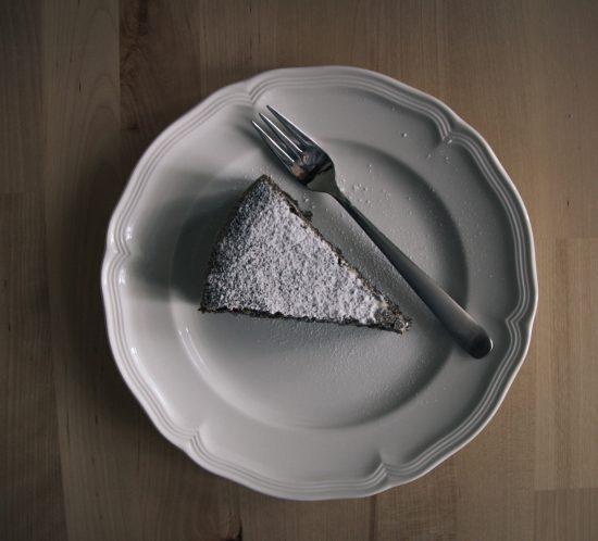 Mohnkuchen mit dunkler Schokolade