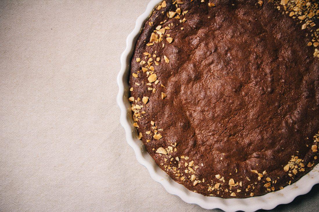 Schokoladentarte mit Macaronsknusper