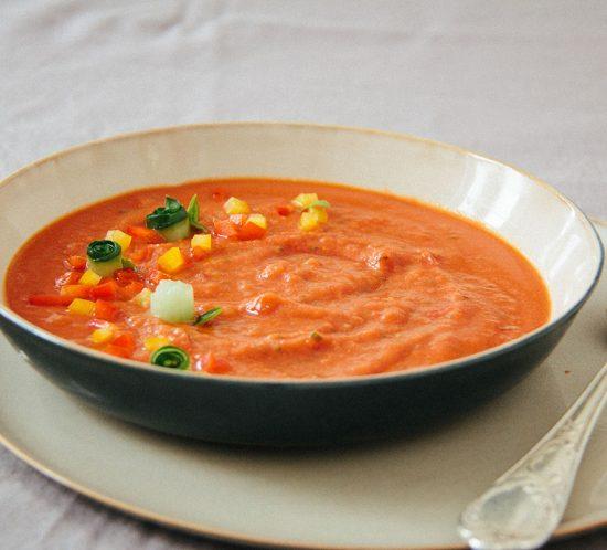 Geeiste Tomaten-Brotsuppe